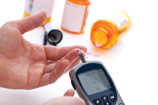 El control de la diabetes es uno de los compromisos. SHUTTERSTOCK Glucómetro